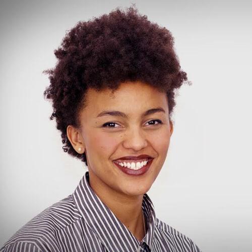 KI-Forscherin Shirley Ogolla (HIIG)