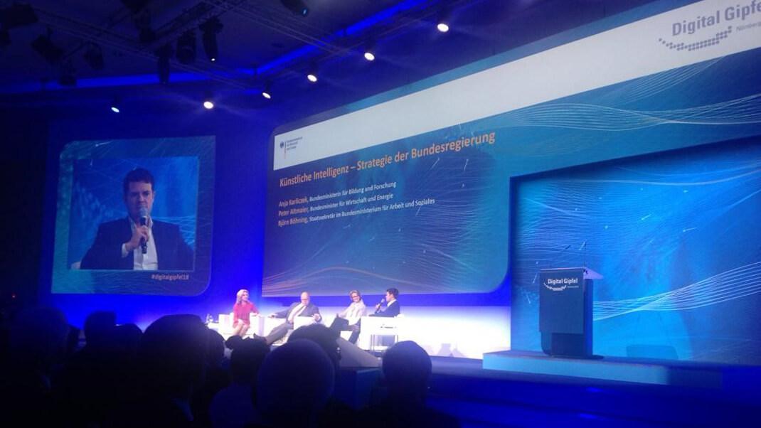 Podiumsdiskussion auf dem Digital-Gipfel