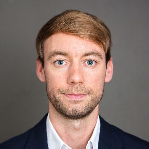Porträt von Johannes Hillje