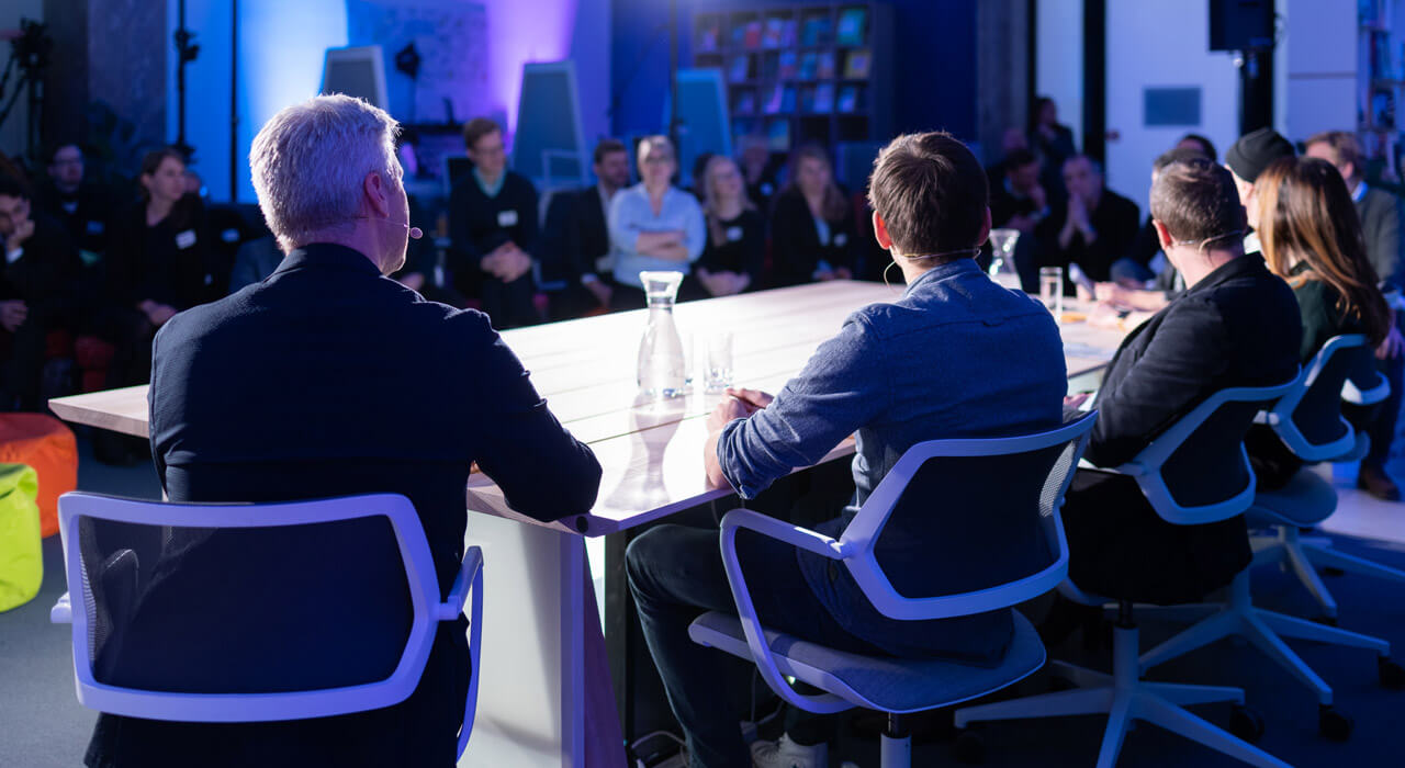 The panel at the big 'Nachtschicht' table