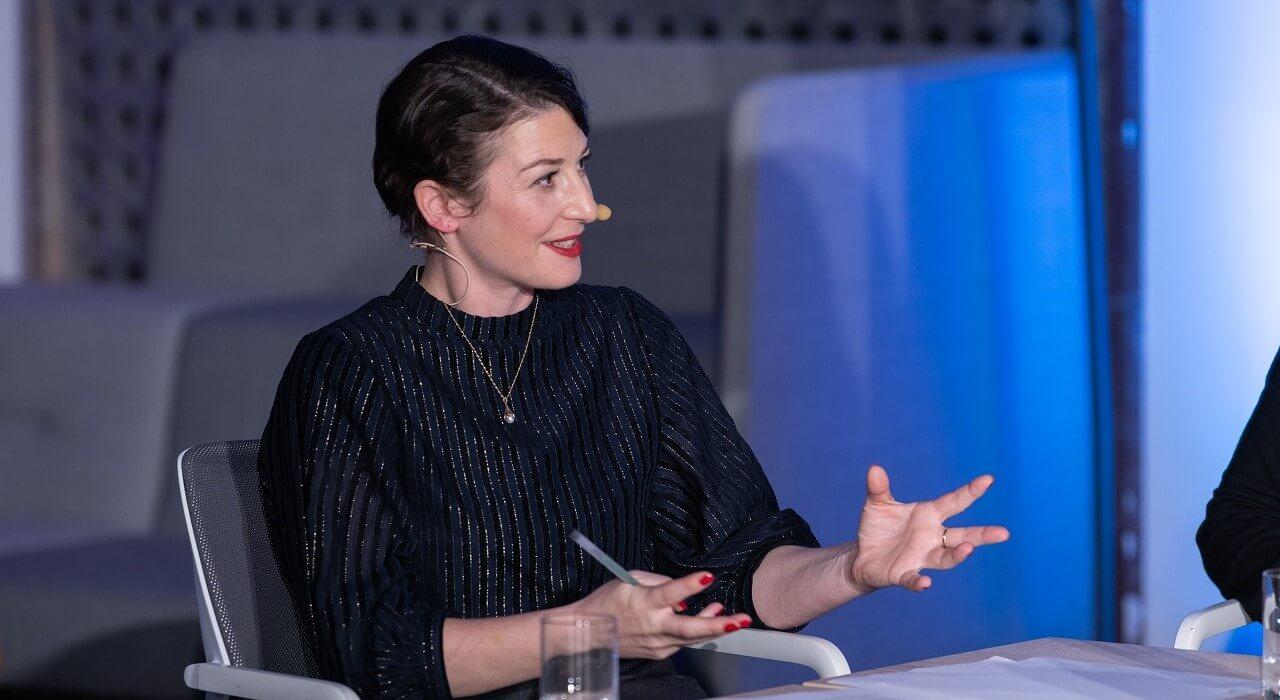 Geraldine de Bastion moderiert