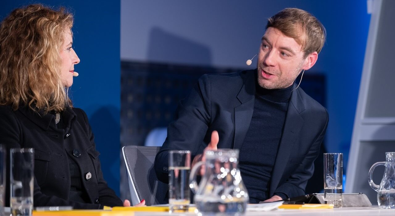Johannes Hillje in a discussion with Heike Raab