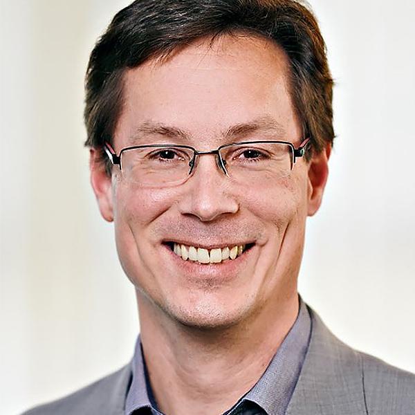 Portrait von Sebastian Hallensleben