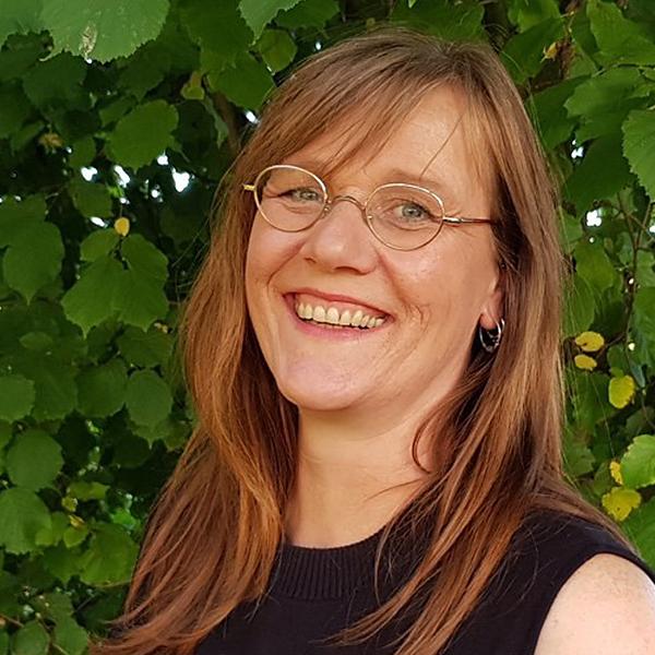 Portrait von Stefanie Ollenburg